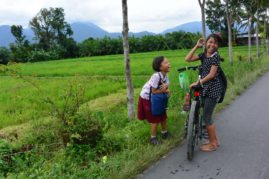 Girls Bukit Lawang, Sumatra - Layback Travel