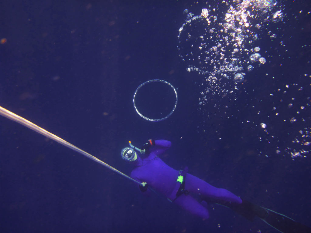 Air Bubble from Freediver - Layback Travel