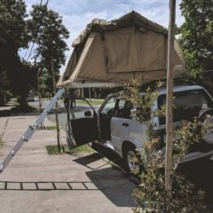 Car rooftop tent Suzi Santiago - Layback Travel